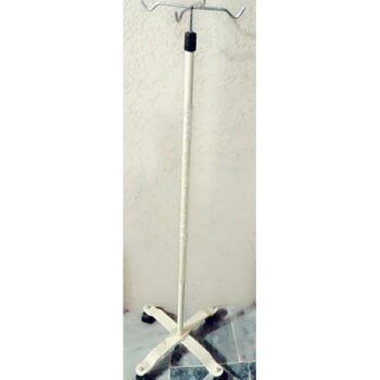 I.V STAND PAINTED 4 HOOK WITH WITH 4 WHEEL PAKISTAN